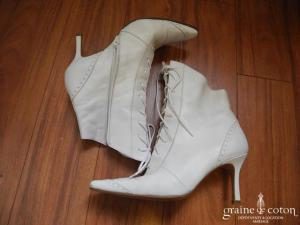 Sylvie Rost - Bottines en cuir blanc, lacées