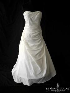 Pronuptia - Robe en taffetas ivoire (drapé coeur taille basse bustier)