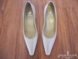 Perlato - Escarpins (chaussures) en cuir ivoires