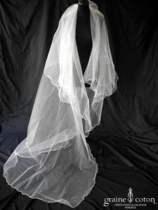 Elianna Moore - Voile long de 3 mètres en tulle ivoire parsemé de strass