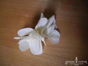 Pince à cheveux fleur pailletée