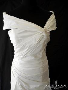 Lambert Créations - Diana (taffetas drapé taille basse manches bretelles dos boutonné)