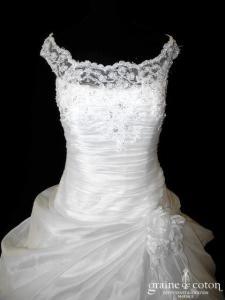 Cosmobella - Robe en organza drapé et dentelle ivoire (laçage manches bretelles taille basse)