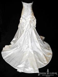 Pronovias - Prototype en satin ivoire drapé (coeur drapé taille basse laçage bustier)
