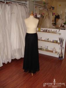 Jupe longue noire, forme tulipe, en voile (non stocké en boutique, essayage sur demande)