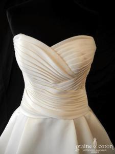 La Sposa (Pronovias) - Salsa (drapé coeur satin duchesse dos boutonné)