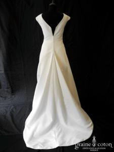 Courman - Création en ottoman blanche(bretelles manches décolleté V encolure bateau)