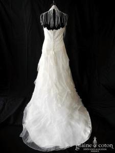 Yolan Cris - Royal (dentelle tulle fluide champêtre bohème tour de cou bretelles coeur dos boutonné taille basse)