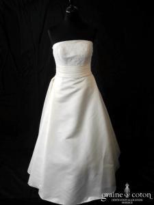 White One - Janais (dentelle manches bretelles satin dos boutonné)
