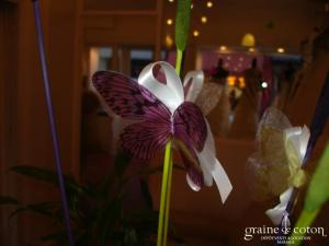 Papillon coloré avec ruban de satin ou pince