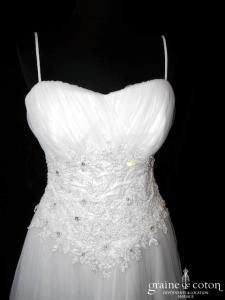 Création - Robe coeur drapée de tulle blanc et dentelle (bretelles)