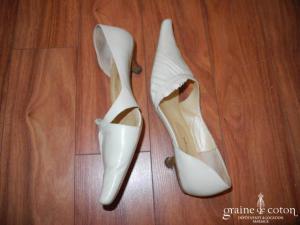 Couleur pourpre - Escarpins (chaussures) en cuir ivoire