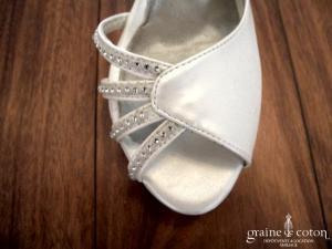 Avant Goût - Escarpins (chaussures) ivoires nacré ouvertes