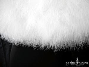 Elianna Moore - Étole en duvet de cygne ivoire