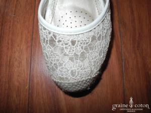 CM Paris - Escarpins (chaussures) compensés en dentelle ivoire