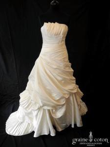 Pronovias - Melbourne (satin duchesse drapé empire dos boutonné taille basse bustier)