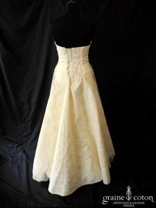Création - Robe empire en dentelle ivoire (laçage satin taille haute)