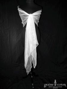 Étole biseautée en organza ivoire clair
