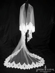Oksana Mukha - Voile Poème en tulle ivoire long 3 mètres bordé d'une large dentelle