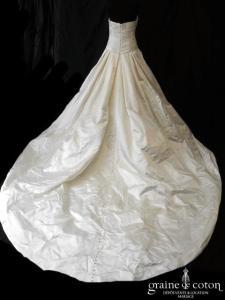 Pronovias - Raso Beatriz (satin duchesse drapé dos boutonné bustier)