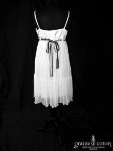 Scarlet Roos - Robe empire courte en satin et mousseline fluide (bretelles)