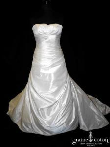 La Sposa (Pronovias) - Robe drapée en mikado ivoire clair (dos boutonné empire taille basse bustier)