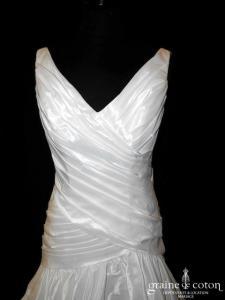 Une fille à marier - Robe en taffetas courte devant et longue derrière (drapé bretelles)