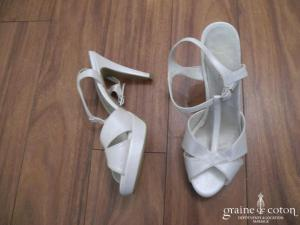 Sandales (chaussures) ivoires
