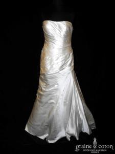 White One (Pronovias) - Robe drapée en satin ivoire (taille basse sirène bustier)
