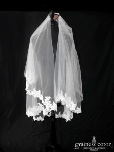 Pronovias - Voile mi long en tulle ivoire clair bordé de dentelle