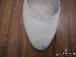 Cymbeline - Escarpins (chaussures) type babies en tissu ivoire
