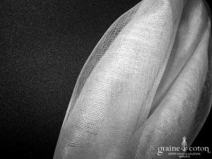 Étole ivoire en gaze de soie mélangée