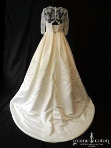 Pronovias - Leslie (satin dentelle manches bretelles dos boutonné taille haute)