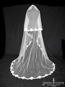 Bianco Evento - Voile long de 2,20 mètres soft tulle ivoire bordé de fine dentelle française (S168)
