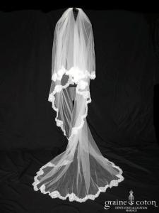 Bianco Evento - Voile long de 2,20 mètres soft tulle ivoire bordé de fine dentelle française (S168 avec rabat)