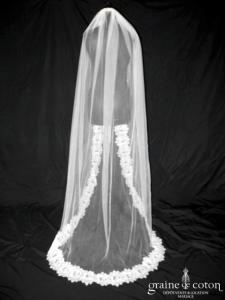 Bianco Evento - Voile long de 2 mètres soft tulle ivoire bordé de fine dentelle espagnole (S178)