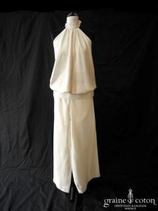Lambert Création - Ensemble pantalon et top dos nu en satin ivoire (dos-nu fluide bretelles tour de cou taille basse)