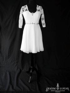 Création - Robe courte en mousseline fluide et dentelle (plissé drapé bretelles manches dos boutonné)