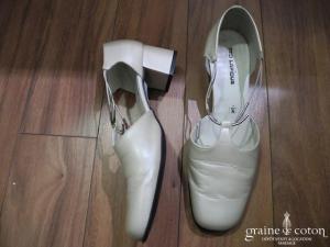 Ted Lapidus - Escarpins (chaussures) en cuir ivoire