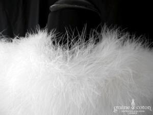 Étole / cape en duvet de cygne ivoire (plumes fourrure)