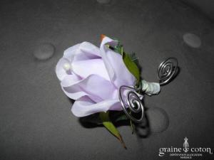 Broche fleur rose couleur violette