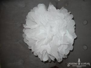 Fleur blanche à déplier en papier façon pompom