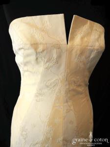 Harriet de Prag pour Cymbeline - Robe sirène en soie brochée champagne (taille basse empire organza)