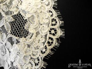 Bianco Evento - Boléro manches courtes en dentelle ivoire (E163)