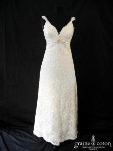 Florence - Création en dentelle ivoire clair (bretelles empire laçage)