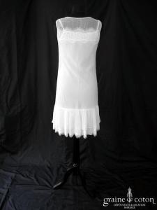 Robe courte fluide en tulle et dentelle (bretelles bohème)