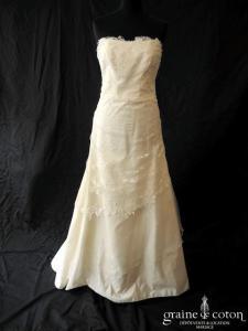 Fan de soie - Création en dentelle et tulle (bustier drapé organza fluide)