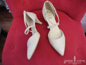 Guushe - Escarpins (chaussures) en cuir ivoire
