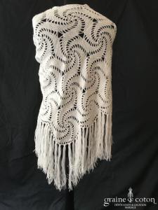 Châle en laine blanche - fait main