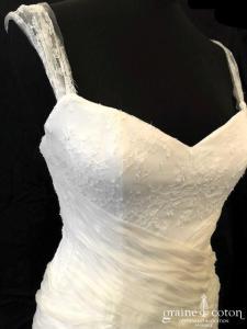 Catherine Varnier - Création en organza de soie et dentelle ivoire clair (bretelles dos boutonné fluide taille basse)